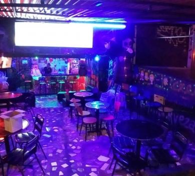 Bar en la 80 ¨Homero shots¨