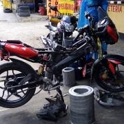 Almacen Taller repuestos para motos y Servicio de mensajería El Rompoy